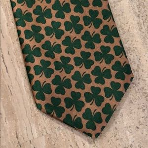 Other - Shamrock tie - gold and green